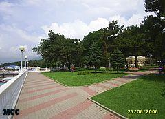 Набережная Геленджика в районе пансионата КРАСНАЯ ТАЛКА