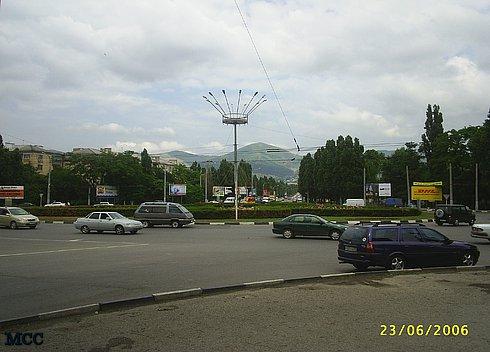 Начало Анапского шоссе в Новороссийске. Недалеко от автовокзала