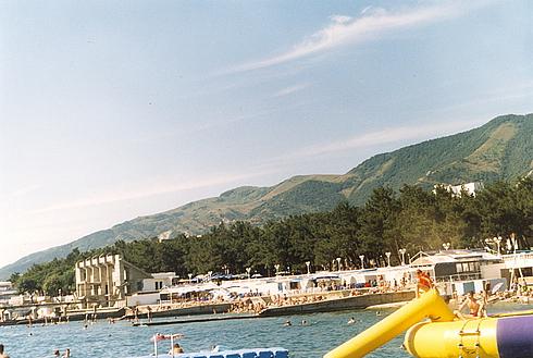 Пляж пансионата Приморье в Геленджике 2004 год